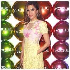 #EvaMendes #DailyTelegraph #Valentino #dress #sophiehalletteofficial #Vogue #lace @maisonvalentino