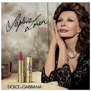 Mamma Mia ! Sophia Loren is looking «bellissima in @dolcegabbana 's new campaign for their new lipstick !  What an honor to see a beauty icon wearing a black D&G dress made with Sophie Hallette's lace ! -> New article on the blog : link on the bio <- #Sophiehallette #FrenchLace #Lace #SophiaLoren #DolceAndGabbana #NewCampaign #NewLipstick #BlackDress #BeautyIcon