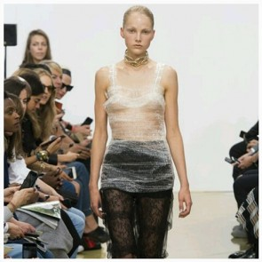 Amazingly creative use of lace and tulle in the JW Anderson Spring/Summer 2016 show at the London Fashion Week. Very Eighties… but it worked !  #SophieHallette #FrenchLace #lace #dentelle #fashion #JWAnderson #LondonFashionWeek #LFW #SpringSummer2016 #SS2016