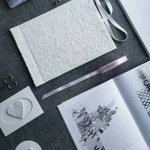 Creativity and romanticism have no limits with Sophie Hallette lace by @ore.design.space  #sophiehallette #lace #notebooks #lacenotebooks #weddingbook #cahierdesaison #oredesignspace