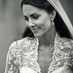 5 years of love… for lace. Happy wedding anniversary to Kate and William!  #SophieHallette #lace #weddinganniversary #weddingdress #katemiddleton #kateandwilliam