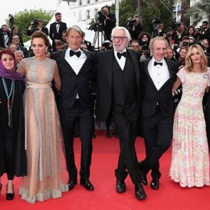The 69th Cannes Film Festival is over and it's time to take stock: top-level movies, non-stop superstars… and lace!  Read more on the journal ➡️ Link in bio.  #SophieHallette #lace #FestivaldeCannes2016 #CannesFestival2016 #Cannes #redcarpet #Palmedor