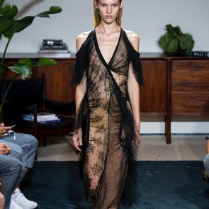 Jason Wu redraws the modern feminine silhouette for Spring Summer 2017 #sophiehallette #lace #jasonwu #ss17 #nyfw #lacedress