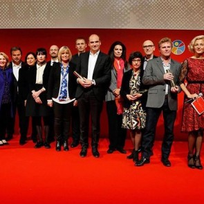 """Launched in 2015, the Dentelle de Calais-Caudry (Calais-Caudry lace) label just received its first award, the """"Liliane Bettencourt Prize for the intelligence of the hand"""", and the ceremony was yesterday in Paris! Prix Liliane Bettencourt pour l'intelligence de la main – Parcours 2016 – ©CAPA Pictures pour la Fondation Bettencourt Schueller #SophieHallette #lace #dentelledeCalaisCaudry #Caudry #Calais#CalaisCaudrylace #fondationBettencourtSchueller #Parcours2016#LilianeBettencourtPrize"""