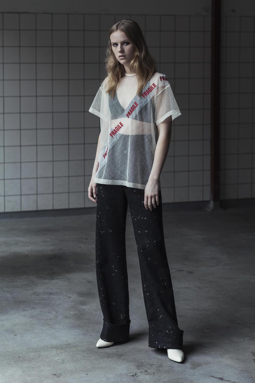 7. Martine Jarlgaard London - Fragile T-shirt worn with Painting Gold High Waist Trousers - preSS18 - Fashion Summit - Copenhagen Fashion Summit - _MG_7875