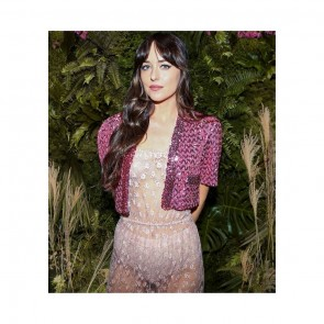 Pour la projection numérique de #GucciAria, Dakota Johnson porte une combinaison en dentelle Leavers de la maison Sophie Hallette avec une série de petites fleurs 🌸✨ ⠀⠀⠀⠀⠀⠀⠀⠀⠀ ⠀⠀⠀⠀⠀⠀⠀⠀⠀ .⠀⠀⠀⠀⠀⠀⠀⠀⠀ ⠀⠀⠀⠀⠀⠀⠀⠀⠀ For the digital screening of #GucciAria, Dakota Johnson wears a jumpsuit made of a tiny flowers pattern Leavers lace 🌸✨⠀⠀⠀⠀⠀⠀⠀⠀⠀ ⠀⠀⠀⠀⠀⠀⠀⠀⠀  #sophiehallette #dentelle #lace #dentelledecalais #dentelledecaudry #dentelledecalaiscaudry #dentellefrancaise #frenchlace #madeinfrance #dentelleleavers #leaverslace #savoirfaire #GucciBeloved #Gucci #GucciOuverture #DakotaJohnson