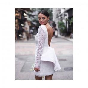 Le look parfait pour attirer les regards le jour J 👰♀️✨ ⠀⠀⠀⠀⠀⠀⠀⠀⠀ Robe en dentelle rebrodée d'un bourdon pour lui donner du relief par @christinadevinestudio 🌸 ⠀⠀⠀⠀⠀⠀⠀⠀⠀ ⠀⠀⠀⠀⠀⠀⠀⠀⠀ .⠀⠀⠀⠀⠀⠀⠀⠀⠀ ⠀⠀⠀⠀⠀⠀⠀⠀⠀ The perfect look to attract attention on D-Day 👰♀️✨⠀⠀⠀⠀⠀⠀⠀⠀⠀ Embroidered lace dress with a thread to bring a little bit of relief by @christinadevinestdio 🌸 ⠀⠀⠀⠀⠀⠀⠀⠀⠀ ⠀⠀⠀⠀⠀⠀⠀⠀⠀  #sophiehallette #dentelle #lace #dentelledecalais #dentelledecaudry #dentelledecalaiscaudry #dentellefrancaise #frenchlace #madeinfrance #dentelleleavers #leaverslace #savoirfaire #wedding #weddingday #weddingdress #weddinggown #robedemariee #mariee #mariage #bride #bridal #bridaldress #romantic #elegance #robedentelle #christinadevine #christinadevinestudio #christinadevinebride